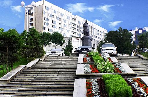Экватор - Владивосток, улица Набережная, 20